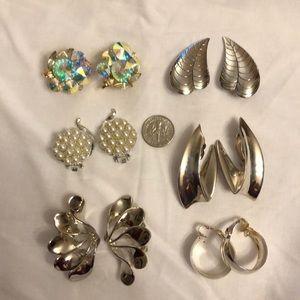 Vintage Costume Jewelry Earrings Set